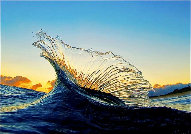 beautiful wave photo