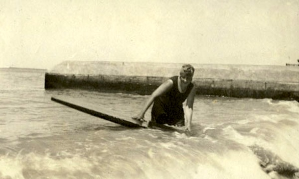 Agatha Christie Surfing