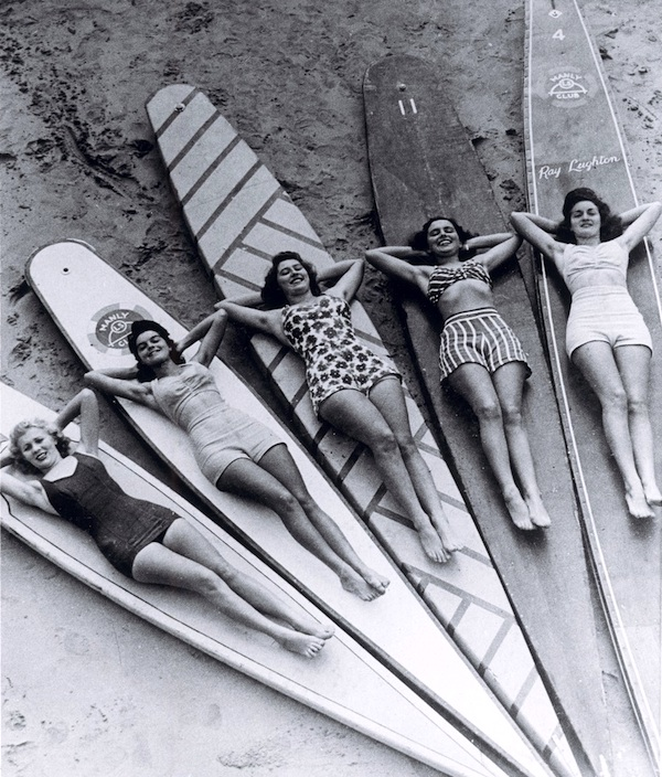Surfer girls vintage