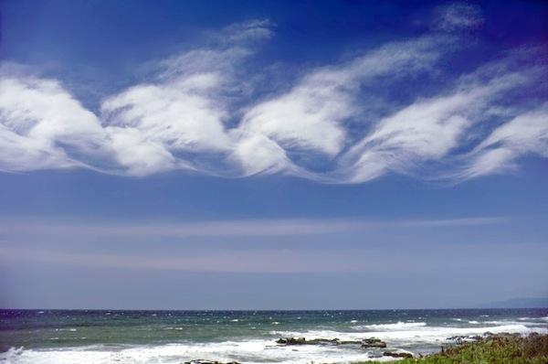 Kelvin-Helmholtz waves