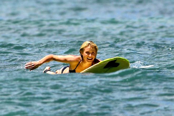 Cameron Diaz surfing