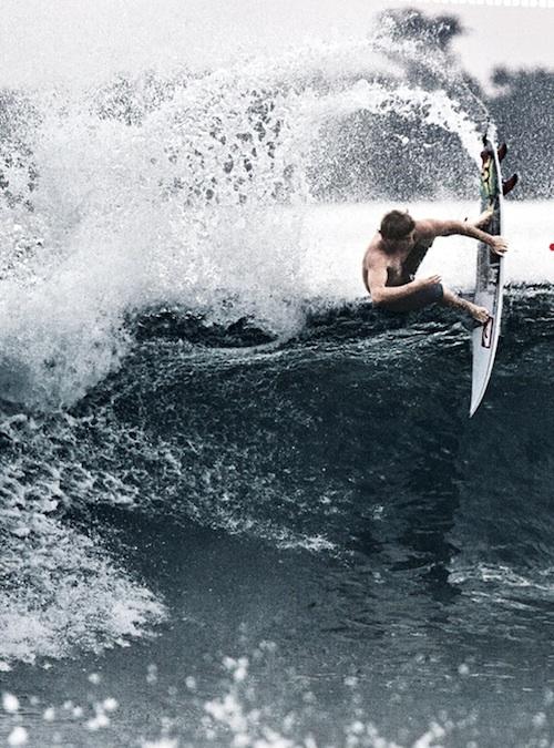 board grab surf spray