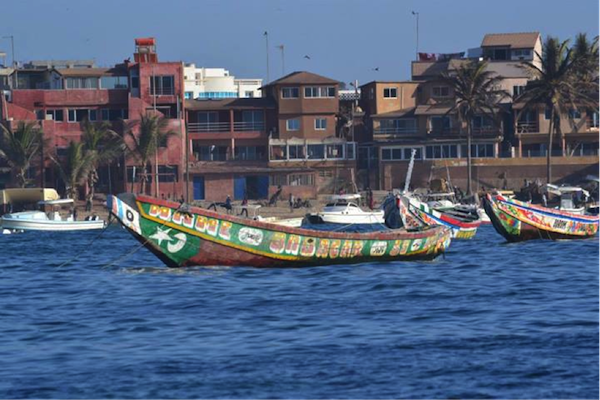 Pirogue boot taxi senegal