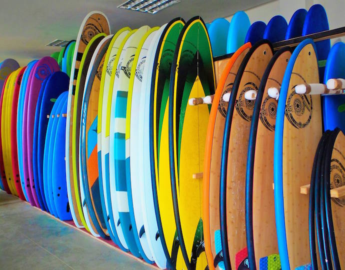 Tiding surf village surfboard hire