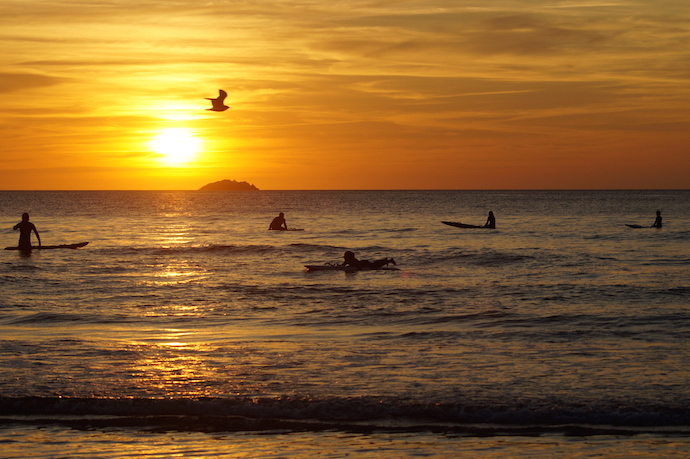 Sunset surfing - Polzeath