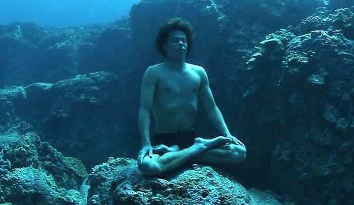 Jaimal Yogis meditating underwater